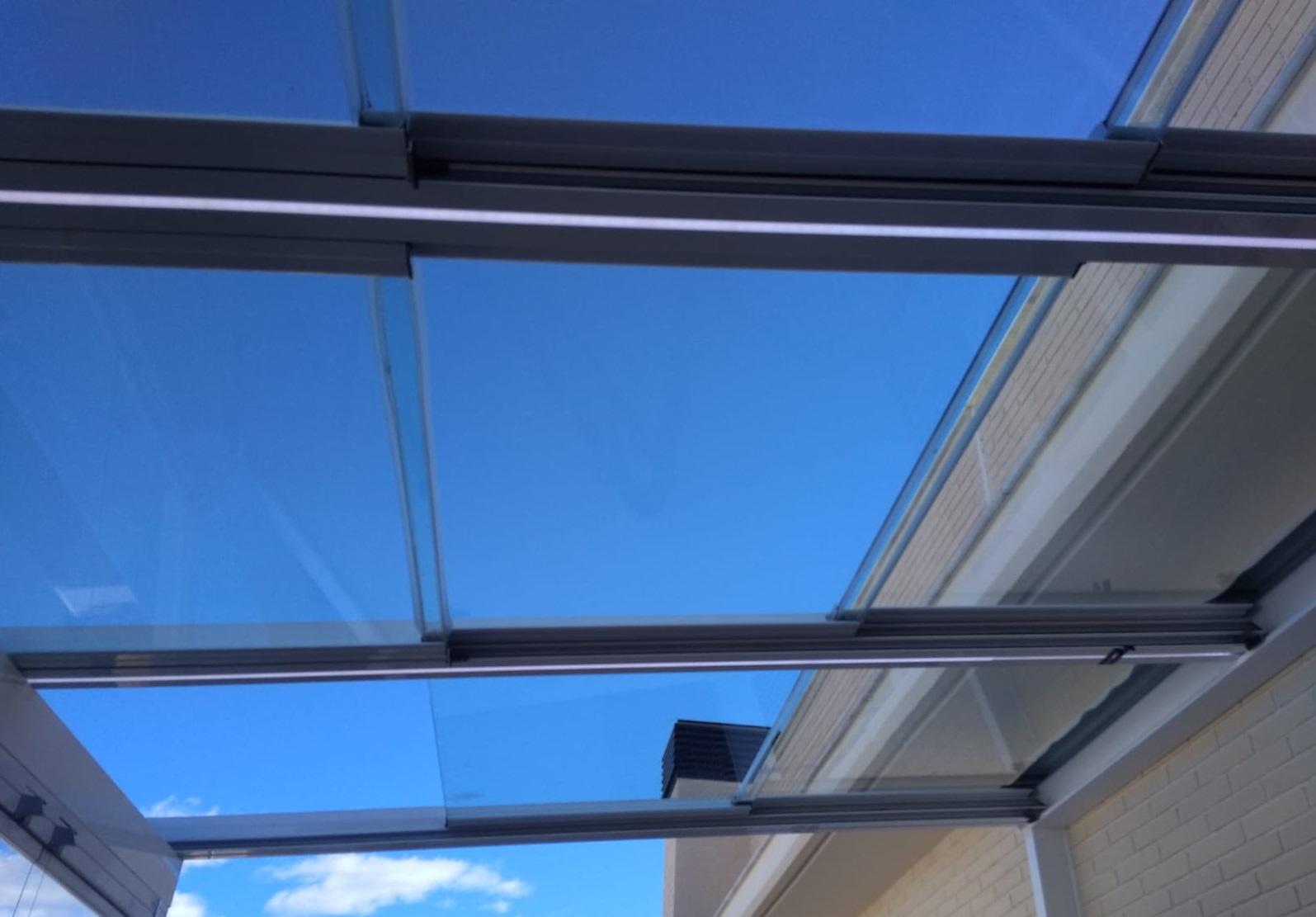 Instalación techo móvil de cristal. Valencia