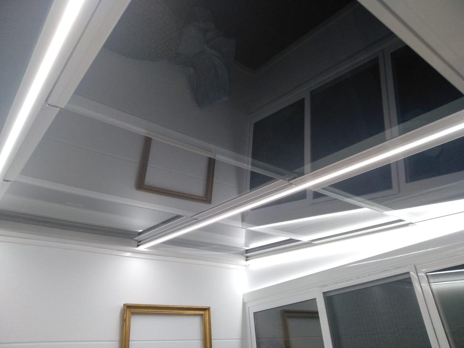 Instalación techo móvil y fijo de cristal. Zaragoza