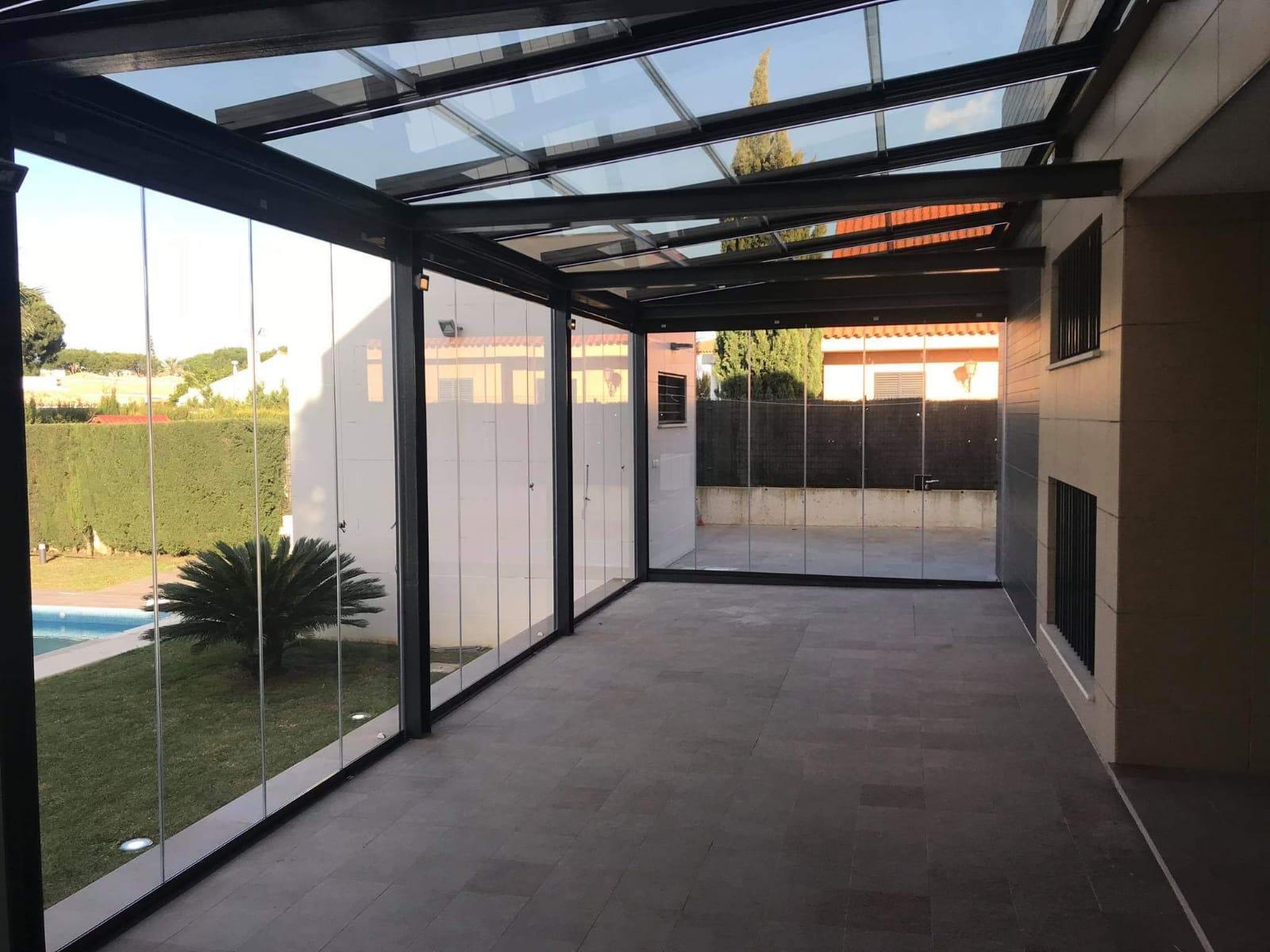 Instalación techo móvil de cristal. Huelva