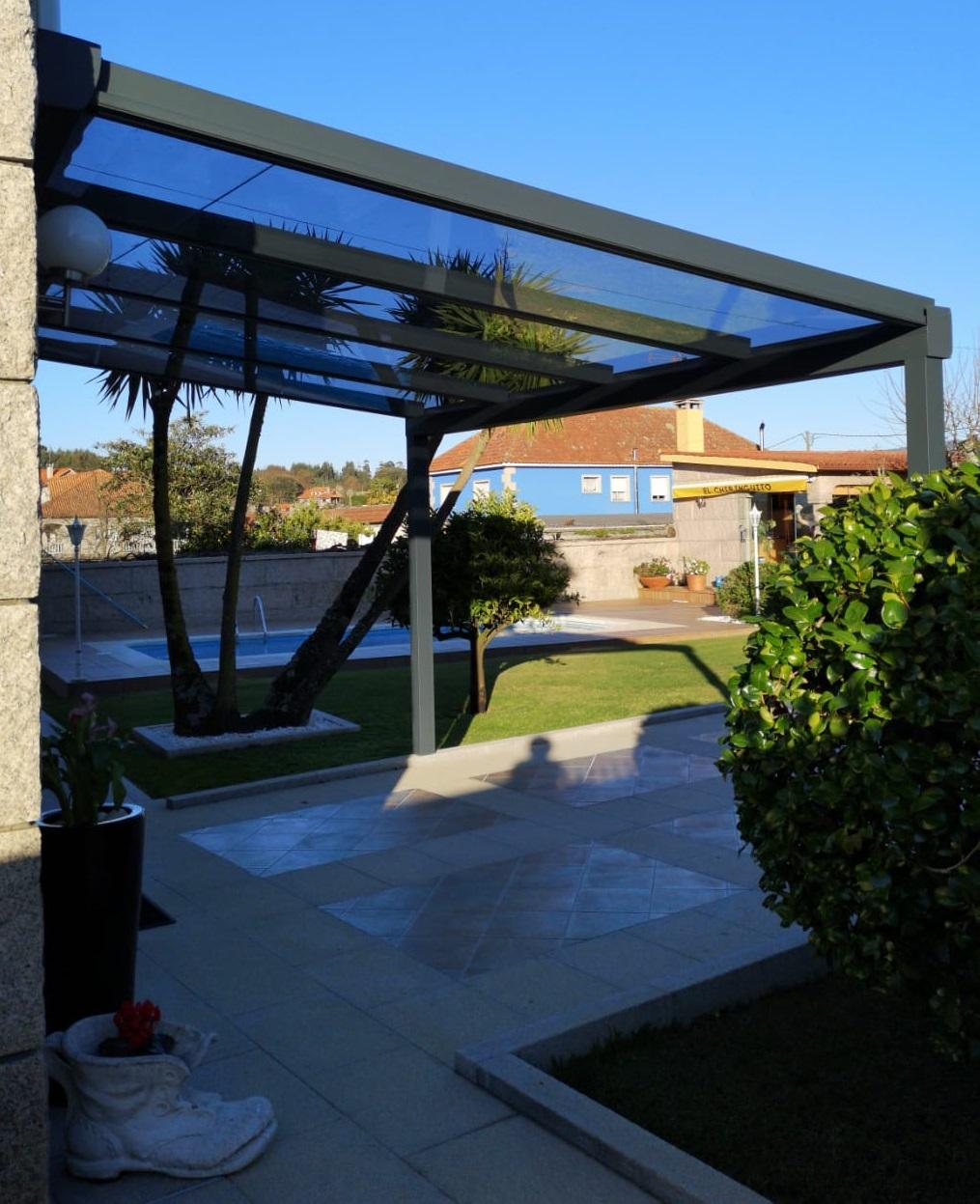 Instalación techo fijo de cristal. Pontevedra