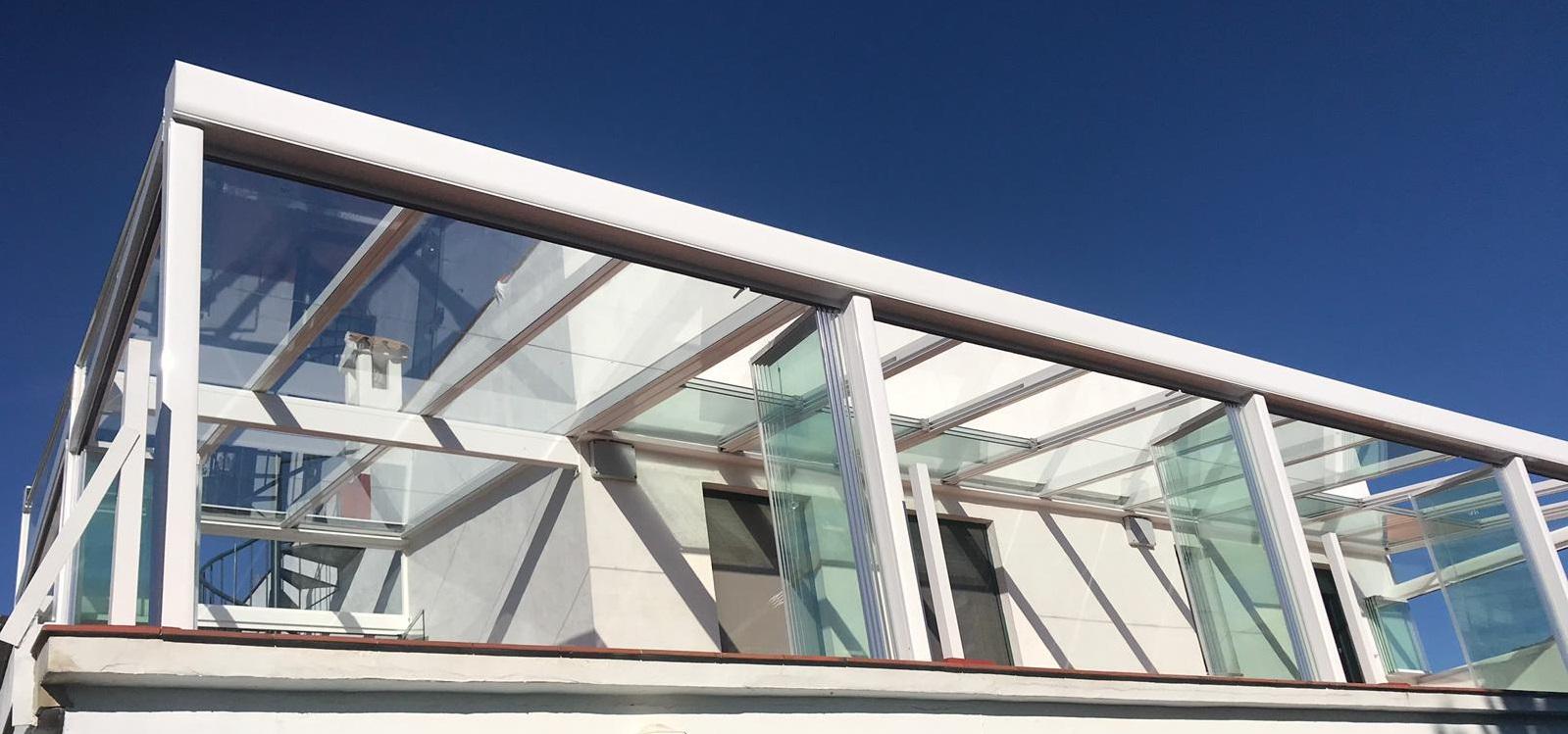 Instalación techo móvil y fijo de cristal. Málaga