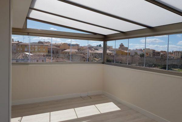 Instalación techo fijo de policarbonato. Zamora