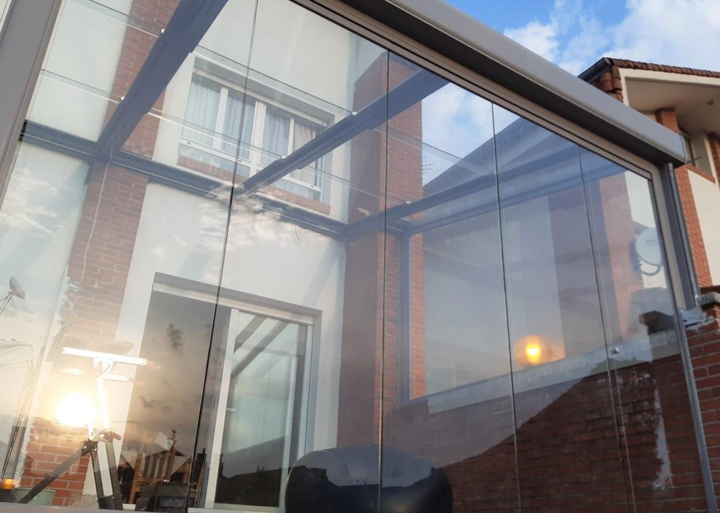 Instalación techo móvil de cristal. Guipúzcoa